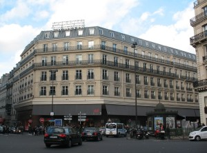 Przy Chaussée d'Antin bywali przyjaciele Chopina, a przede wszystkim George Sand. Dziś pod numerem 38 mieści się luksusowy dom handlowy Galeries Lafayette