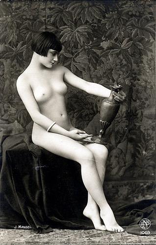 """Julian Mandel """"Dziewczyna z wazonem"""""""